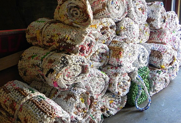 Crochet Sleeping Mats for Homeless People Using Plastic Grocery Bags